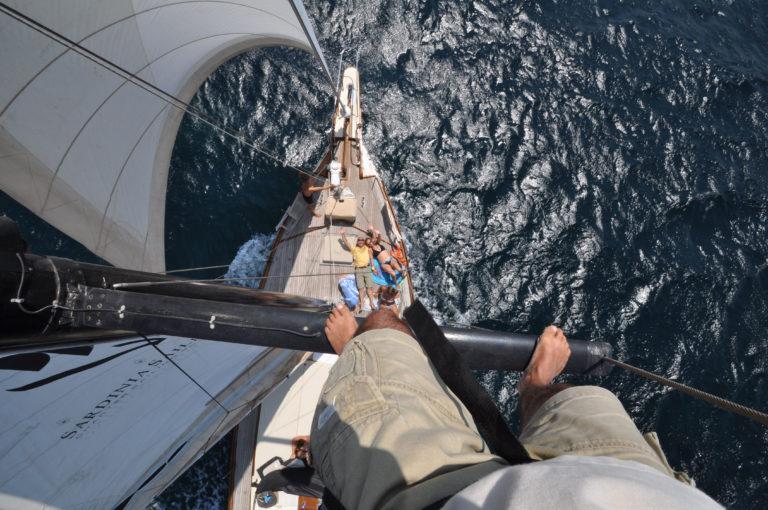 la barca a vela vista dall'alto