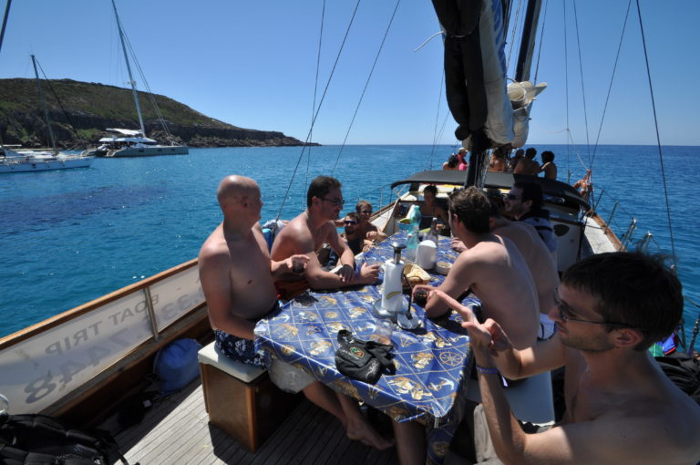 gita in barca con pranzo a bordo