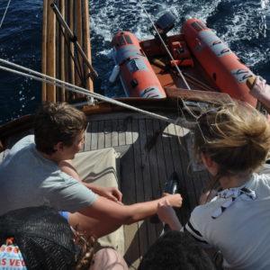 attività di pesca sportiva in barca a vela