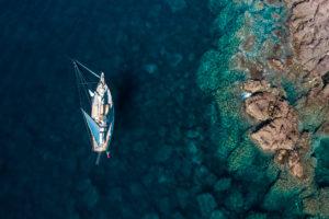 foto drone vacanza in barca a vela Sud Ovest Sardegna